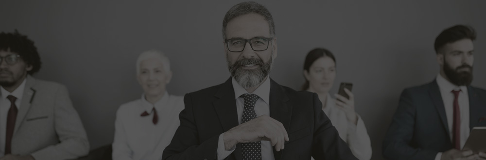 Compreenda as Principais Atitudes que Diferenciam Chefe e Líder nas Empresas